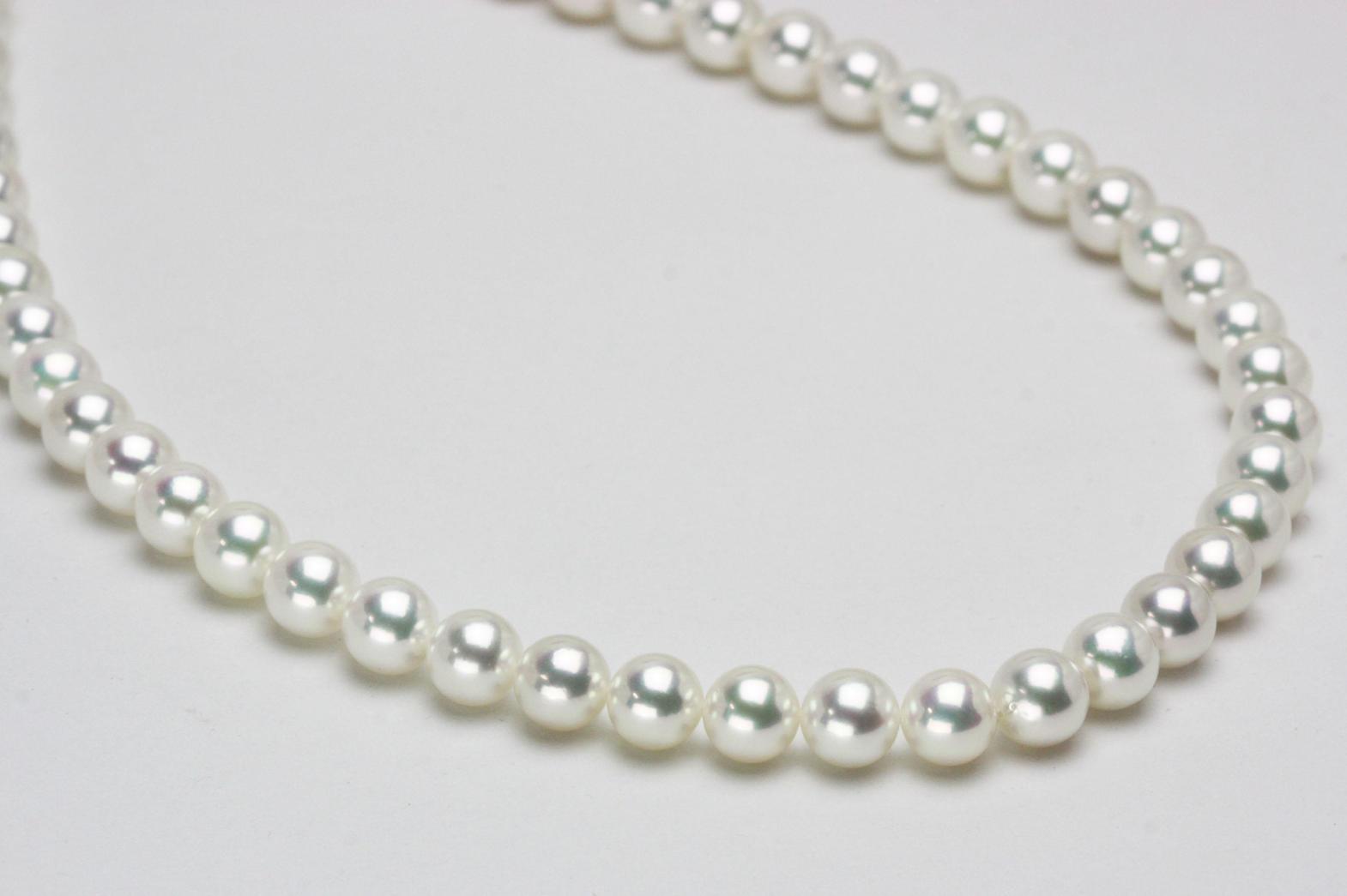 マーノのオーロラ花珠真珠ネックレス