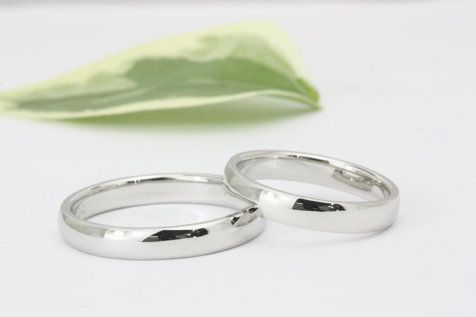 シンプルが一番のプラチナの結婚指輪