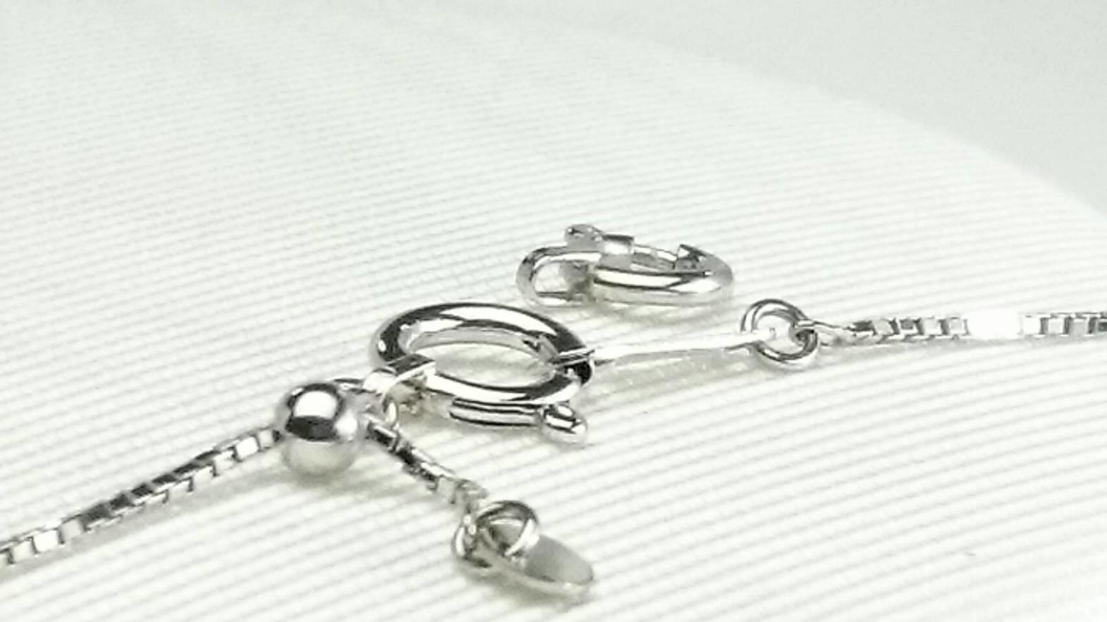 プラチナ製ネックレスの引き輪を大きいタイプへ交換しました。