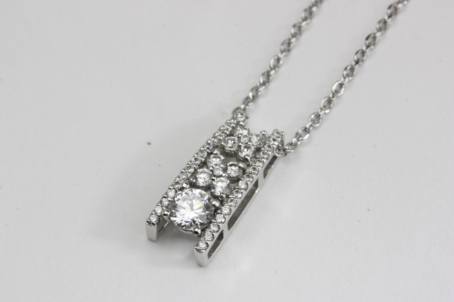 バータイプのダイヤモンドペンダントリフォーム