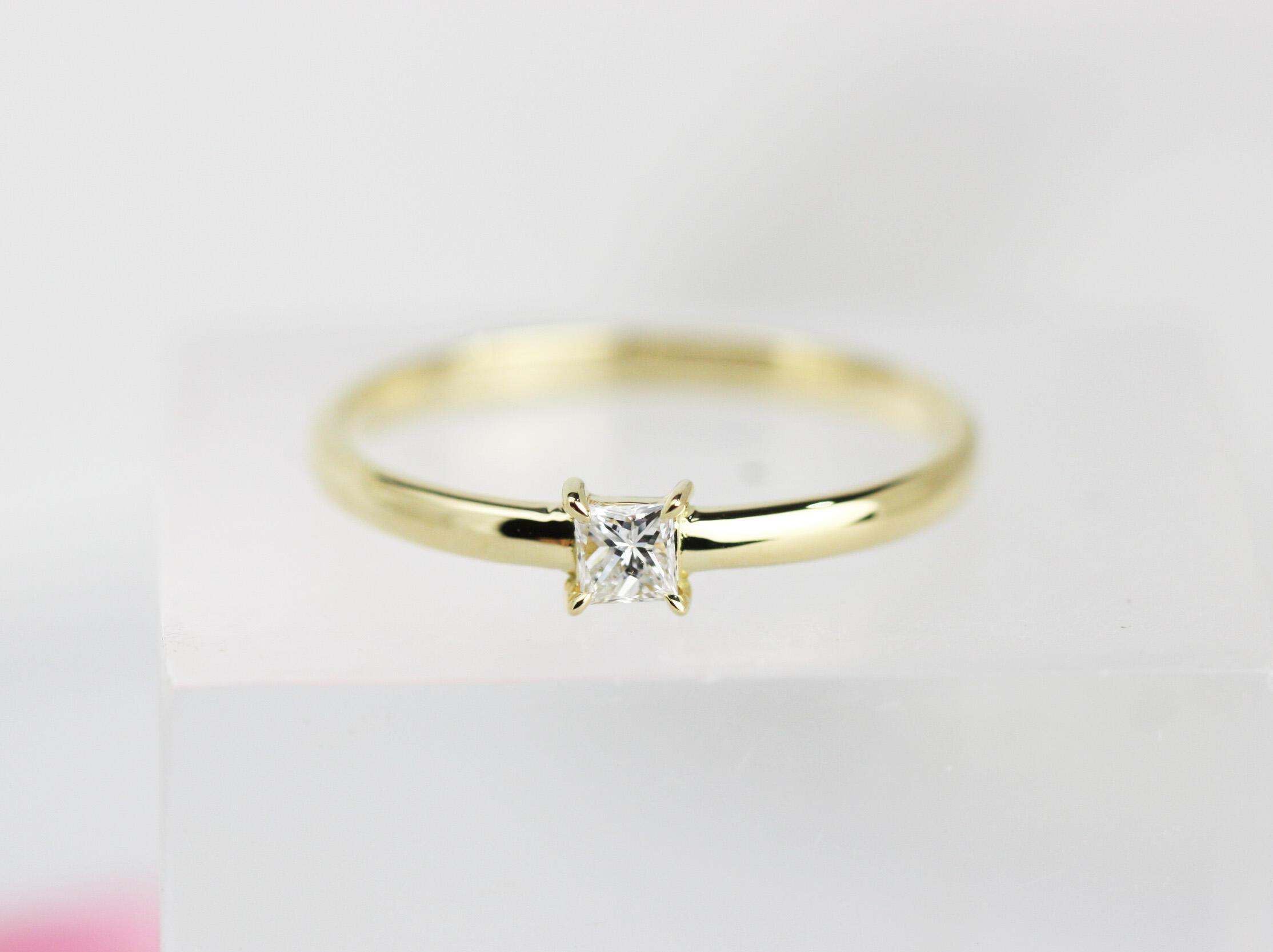 K18枠プリンセスカット0.16 ctダイヤモンドリング