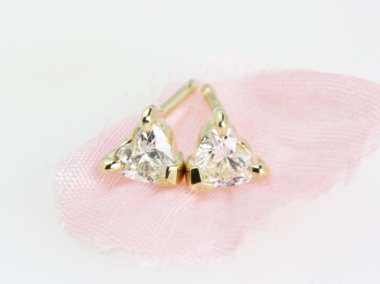 ハートシェイプのダイヤモンド0.36ctピアス