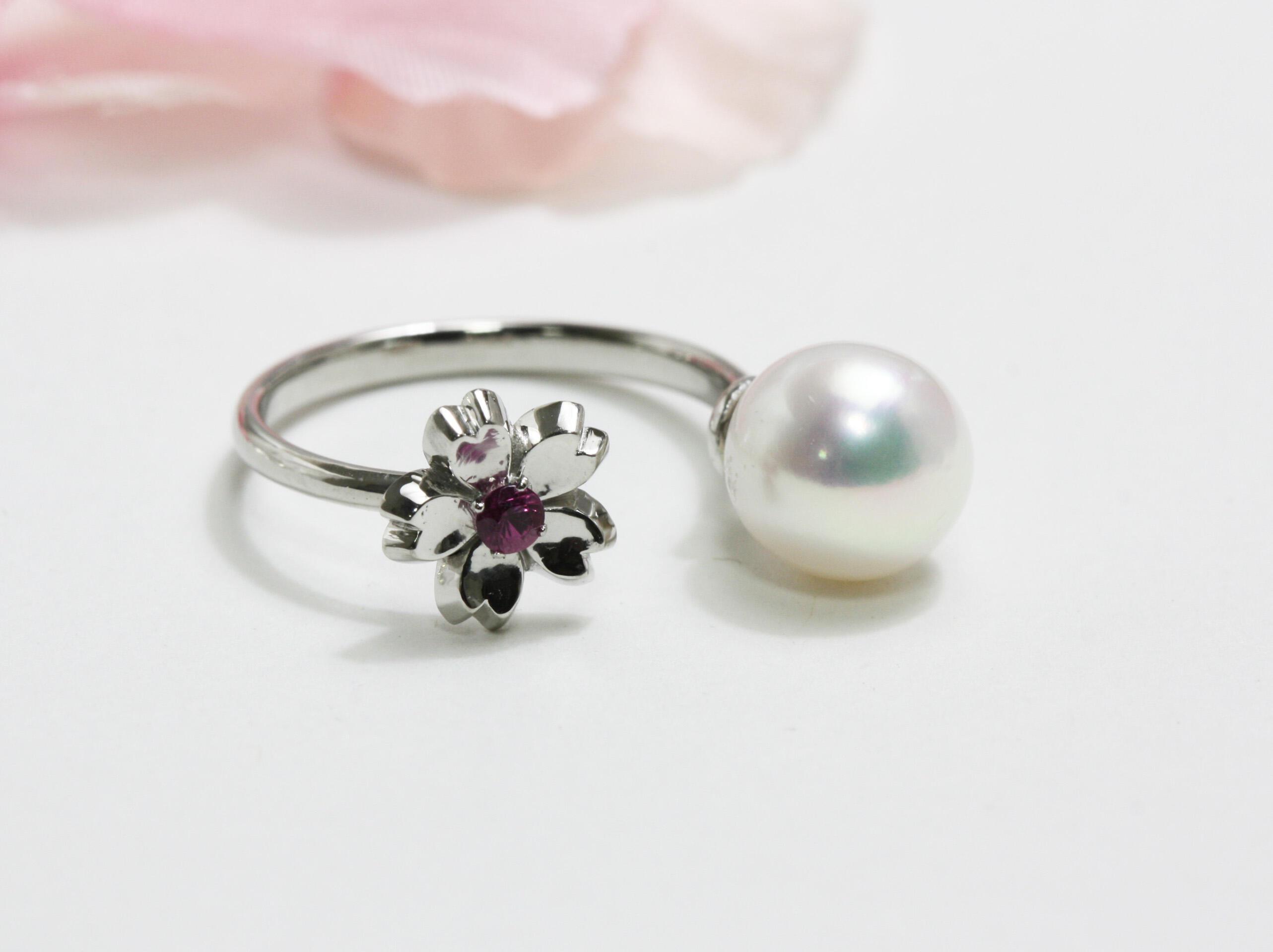 プラチナ製桜と真珠のフォークリング